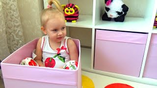 Алиса расставляет игрушки Сюрпризы Маша и Медведь новая серия Surprises Masha and the Bear