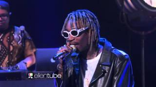 Wiz Khalifa and Charlie Puth Perform 'See You Again'