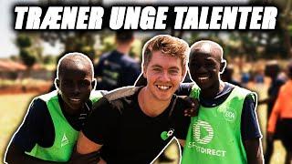TRÆNER UNGE TALENTER I AFRIKA m. Benjamin Mann-Nakel og Mads Gottlieb