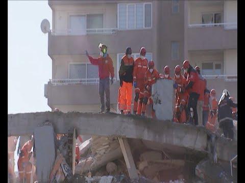 Τουρκία: Μειώνονται οι ελπίδες να βρεθούν επιζώντες στα χαλάσματα των κτιρίων