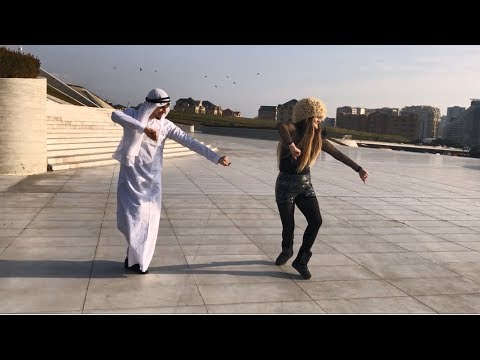Madina madina лезгинка 2018 девушка и парень танцуют четко.