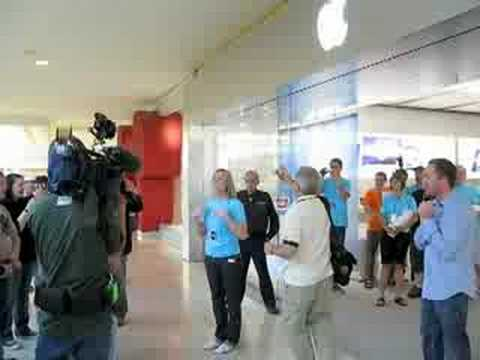Apple Store WEM Grand Opening