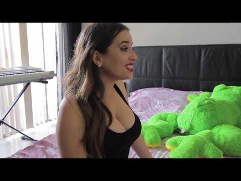 Ver a Una Mujer en Bikini vs Verla en Ropa Interior.  LPB