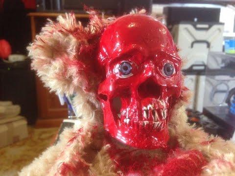 絕對兒童不宜!血腥恐怖的「殭屍泰迪熊」