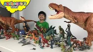 Jurassic World DINOSAUR TOYS | Skyheart plays with small dinosaurs for kids owen blue trex