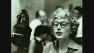 Blossom Dearie-Plus je t'embrasse....wmv