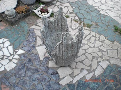 Blumenkübel Blumentopf aus Beton getränkten Tüchern