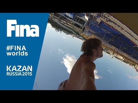 Il campione mondiale di tuffi da 27 mt. porta con sè la videocamera