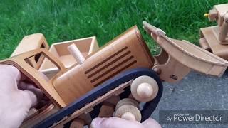 Mit 'FRÖBEL's auf der Holzspielzeug - Baustelle