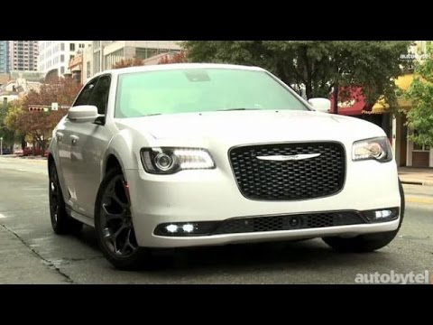 2015 Chrysler 300: First Look Video