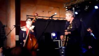 The Hot Chickens - Drinkin' Wine Spo Dee O Dee - Tribute To Johnny Burnette -