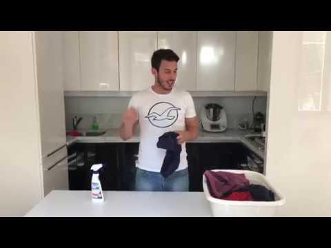 Come eliminare le macchie di deodorante e sudore