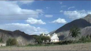 preview picture of video 'Walking around near Alchi, Ladakh'