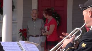 WWII Veteran with Alzheimer's visited by Army Band
