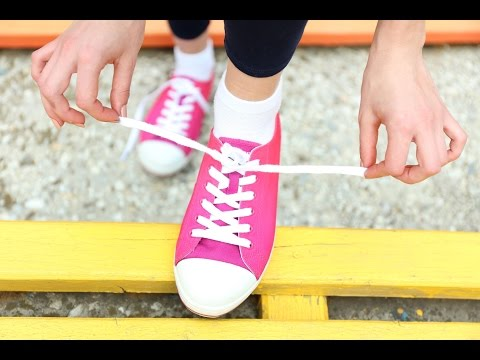 How To Tie a Shoelace