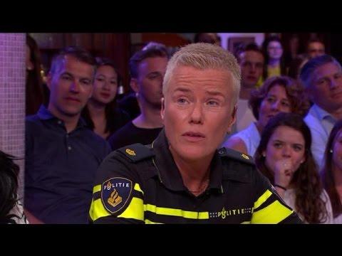 Mag politie binnenkort hoofddoeken dragen? - RTL LATE NIGHT