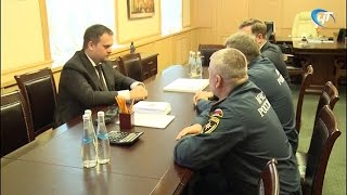 Андрей Никитин встретился с начальником Северо-Западного центра МЧС России