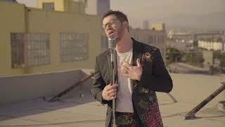 Sam Fischer Performs 'This City'