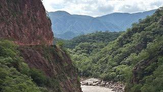 preview picture of video 'Carretera de El Angosto - Bolivia'