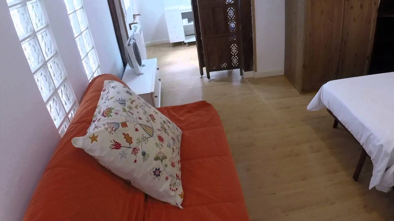 Renovated 1 Bedroom apartment with AC, 4 minutes from Plaza de España