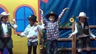 Festa Junina 2013 - Pré A - Little Cowboy - Profª Mayara.