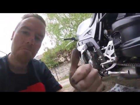 Motorrad Kette reinigen / schmieren mit Kettenmax Premium KurvenradiusTV