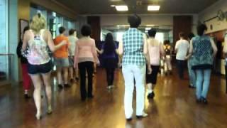 Dirtee Disco line dance workshop WOW by Jo & John Kinser & Mark