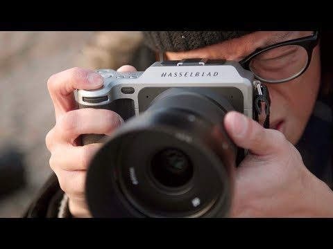 Hasselblad X1D – 50MP Medium Format Mirrorless Camera Review!