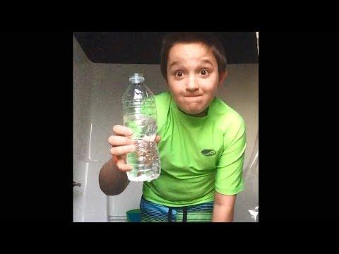 ich kann diese wasserflasche in 1 sekunde trinken..