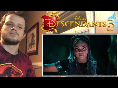 Uma is Back! 🐚 | Descendants 3 - REACTION