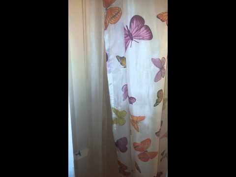 My 6 year old singing LET IT GO in the shower lol