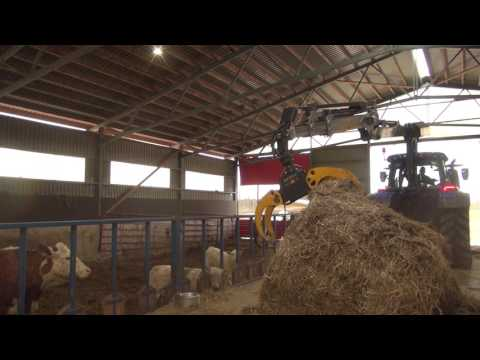 KESLA 316T: Changing bedding for the cattle