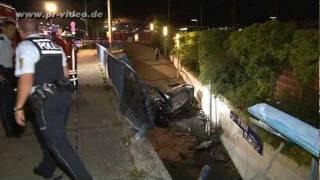 preview picture of video '25.08.2011 - Mannheim - Verfolgungsjagd mit 160km/h durch die Stadt endet mit Unfall'