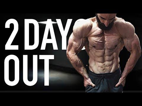 Vite gonfler les plus larges muscles du dos