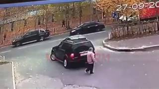 Шоркнул Форд Мазду и скрылся в Сургуте