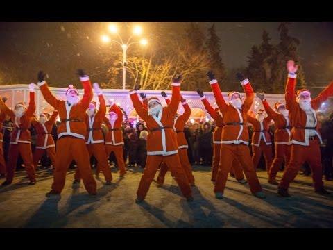 Танцевальный флешмоб в Новогоднюю ночь в Сокольниках