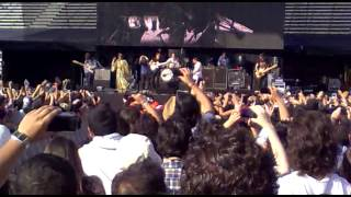 The Maccabees and Florence - Toothpaste Kisses live Corona Capital 2012 Mexico DF