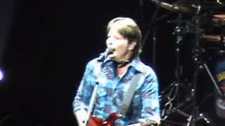 John Fogerty -Hey Tonight- Hey esta Noche- Argentina -13 de mayo 2011- Luna Park
