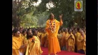 Shyama Meri Thakurani Divine Keertan by Jagadguru Shri Kripalu Ji Maharaj