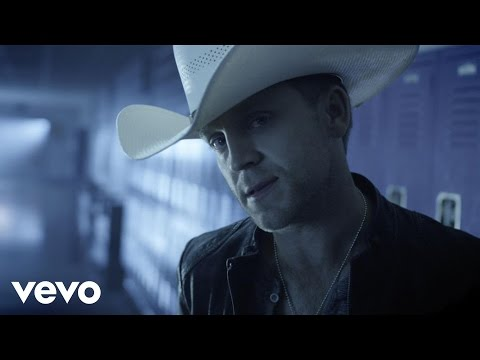 Lettin' The Night Roll (2013) (Song) by Justin Moore