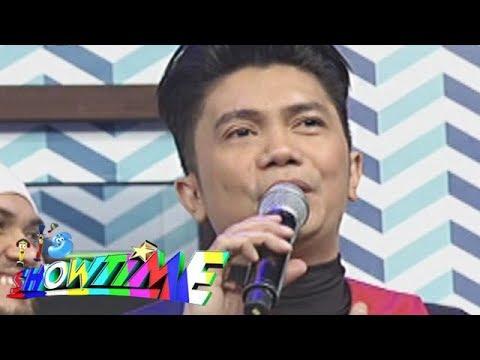 It's Showtime: Vhong gets emotional