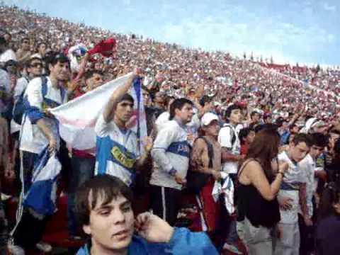 """""""21-11-2010 el dia que las MADRES se fueron pa la casa!"""" Barra: Los Cruzados • Club: Universidad Católica"""