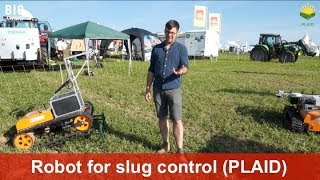Robot for slug control in arable farming