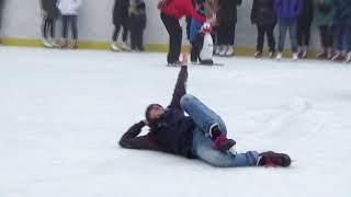В ставропольском парке Победы открыли сезон катания на коньках