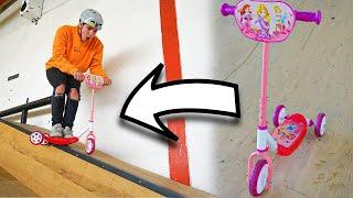 Barbie Scooter im Skatpark fahren!