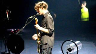 Josh Klinghoffer singing an Italian song by Mina -  RHCP Live @ Milano, Italy 11/12/2011 HD