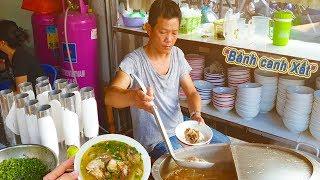 """Độc đáo Bánh Canh """"Gọt"""" 20k hiếm thấy ở Sài Gòn"""