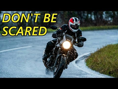 How to Ride a Motorcycle in the Rain (7 Steps)