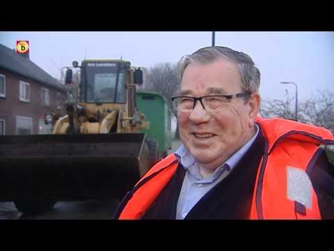 Hoogwater van de Maas in Sambeek - ingesloten gezinnen