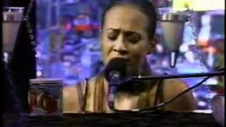 Fiona Apple - Never Is a Promise [Live]